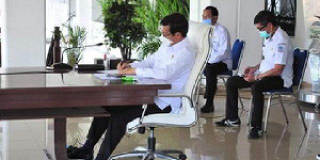 Terkait Pengarahan Akuntabilitas Anggaran dan Barang Jasa,  Walikota Rapat Vidcon Bersama Mendagri