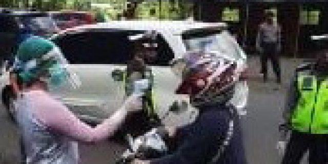 Walikota Eman Terjun Langsung Pantau Pemeriksaan Pendatang di Tomohon