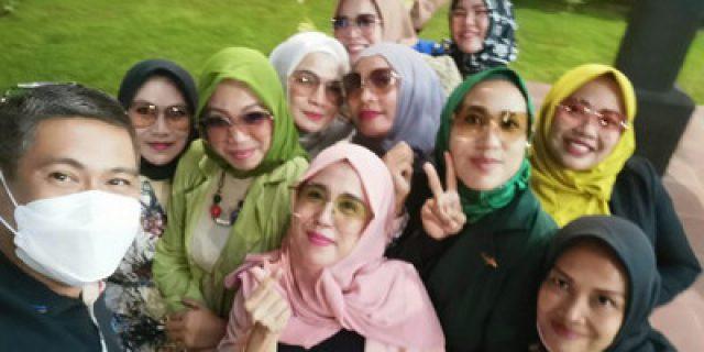 Ibu-Ibu Rukun Azarah Dukung PAHAM