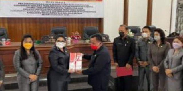 Glady Kandou SE Pimpin Rapat Paripurna DPRD Membahas Rancangan Awal Perubahan RPJMD Tahun 2018-2023