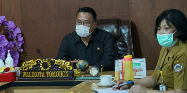 Walikota Tomohon Ikuti Rapat APEKSI via Vidcon