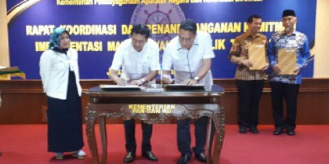 Jadi Wakil Sulut, Walikota Eman Teken Komitmen Pelayanan Publik di Kemenpan-RB