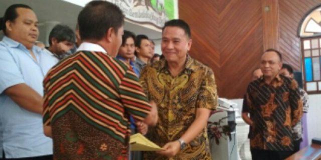 Walikota Eman Lantik Panitia Perayaan HAPSA PKB Tomohon I