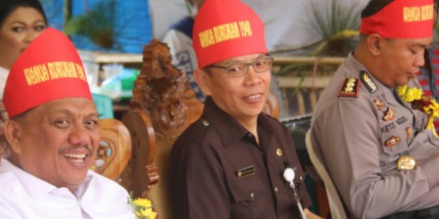 OD Mandagi Wakili Walikota Tomohon di HUT Negeri Rurukan