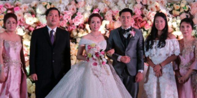 Prosesi Pernikahan Putri Walikota Tomohon Berlangsung Hikmat