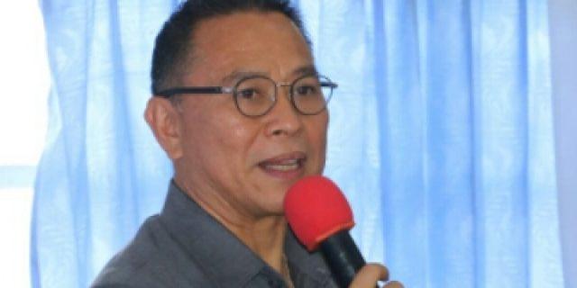 Walikota Eman Lantik Forum Protokol Kota Tomohon