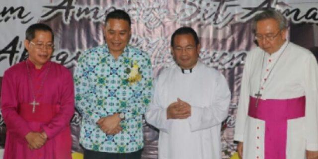 Walikota Eman Hadiri Dies Natalis Seminarium Agustinianum Tomohon