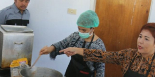 Dispar Tomohon Gelar Pelatihan Kuliner dan Souvenir