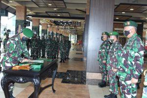 Kasad Andika Perkasa Pimpin Sertijab Pangkostrad dan 5 Pejabat Teras TNI AD