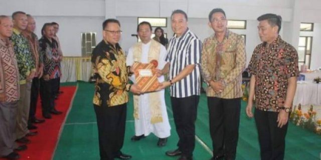 Walikota Eman Lantik Pengurus LP3KD Tomohon