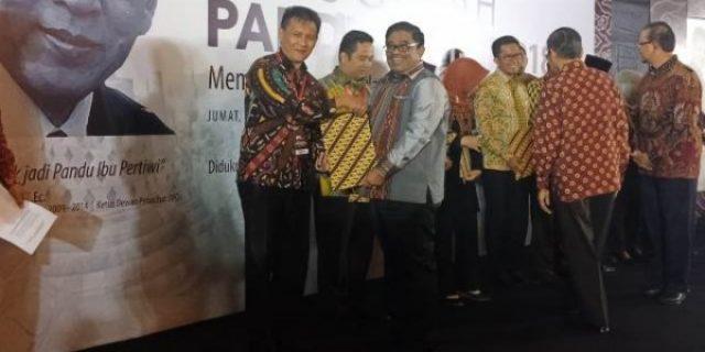 Tomohon Terima Penghargaan Anugerah Pandu Negeri 2018