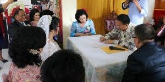 Walikota Tomohon Jadi Pencatat Pernikahan Billy dan Lia