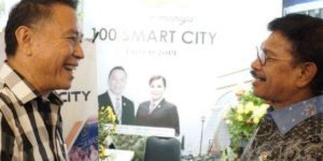 Menteri Plate Kunjungi Stand Tomohon di Gerakan Menuju 100 Smart City
