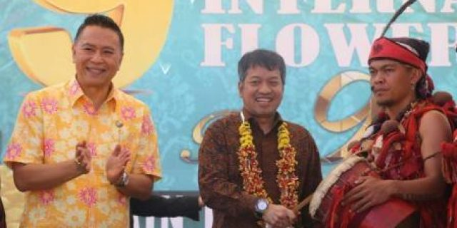 Deputi PMD DAN Walikota Eman Buka Tourism, Trade, Investment and Floriculture Expo 2019
