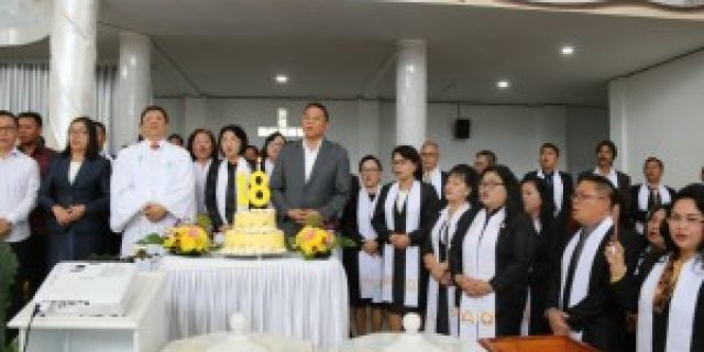 Paskah, WaliKota Tomohon Hadiri HUT ke-18 GMIM Nazaret Matani