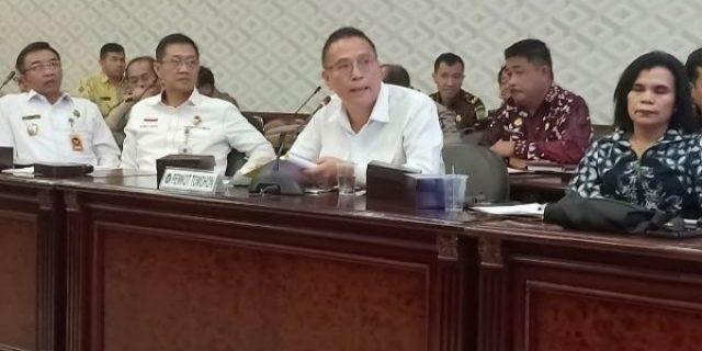 Walikota Tomohon Hadiri Rakor Penyelesaian Konflik Lahan dan Hutan