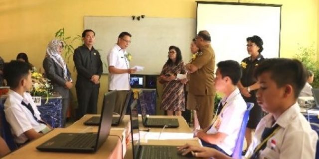 Walikota Suport Peserta UNBK SMP se-Kota Tomohon